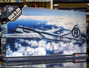 1:72 Boeing B-29 A SUPERFORTRESS Enola Gay - Academy 12528