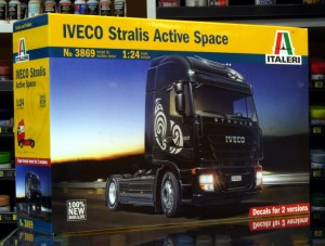 1:24 IVECO STRALIS Active Space Cube - Italeri 3869